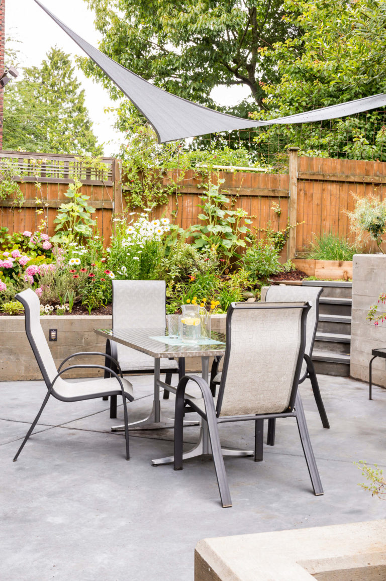 Heartwood Builders Home patio, table and chairs.